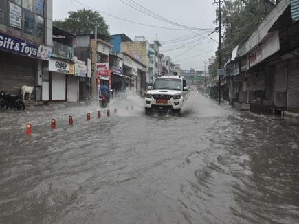 मप्र में मानसून की जोरदार बारिश, नदी-नाले उफने, कई मार्ग बंद
