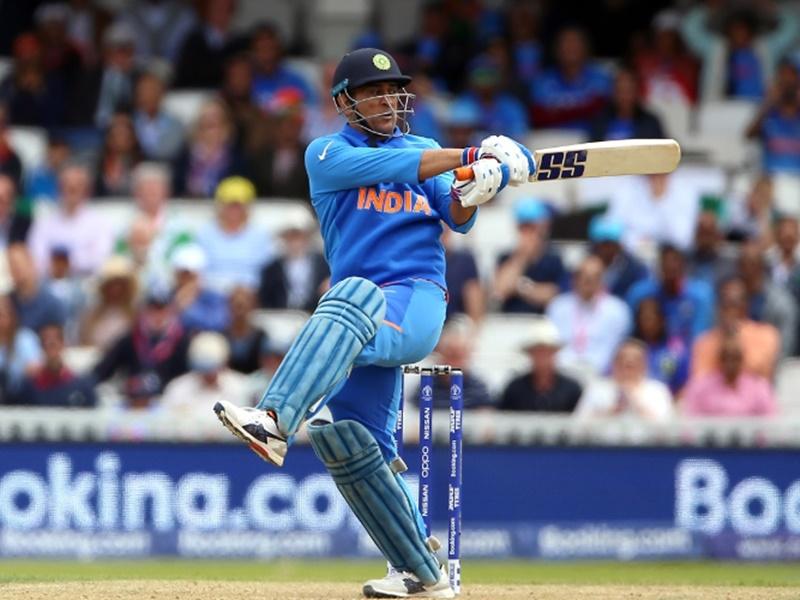 ICC Cricket World Cup 2019: धोनी ने हासिल किया खास मुकाम, द्रविड़ को छोड़ा पीछे