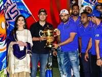 IPL 2019 : नीता अंबानी ने आईपीएल चैंपियन मुंबई इंडियंस को एंटिलिया में दी ग्रैंड पार्टी, देखें Photos