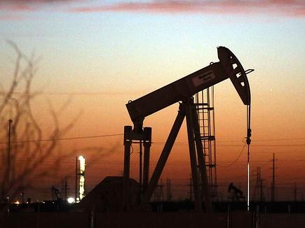 डेढ़ साल में पहली बार कच्चा तेल 50 डॉलर से नीचे
