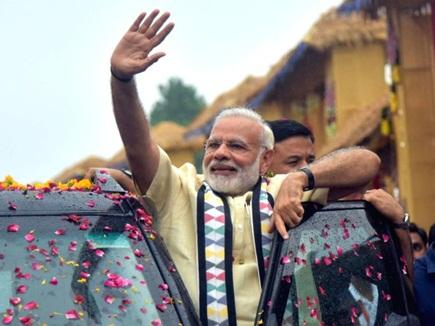 धमकी से नहीं डरे PM मोदी, भिलाई में किया रोड शो