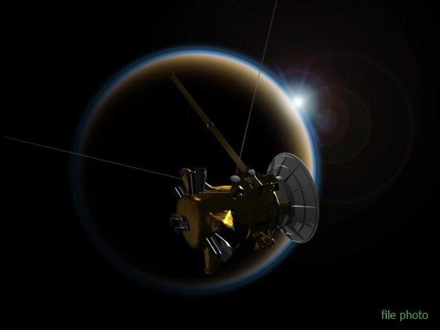 NASA ने जुटाई जानकारी, शनि के चंद्रमा पर हैं मीथेन की छोटी और गहरी झीलें