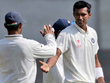 मिलिए नवदीप सैनी से, 250 रुपए प्रति मैच से लेकर टेस्ट क्रिकेट तक का सफर
