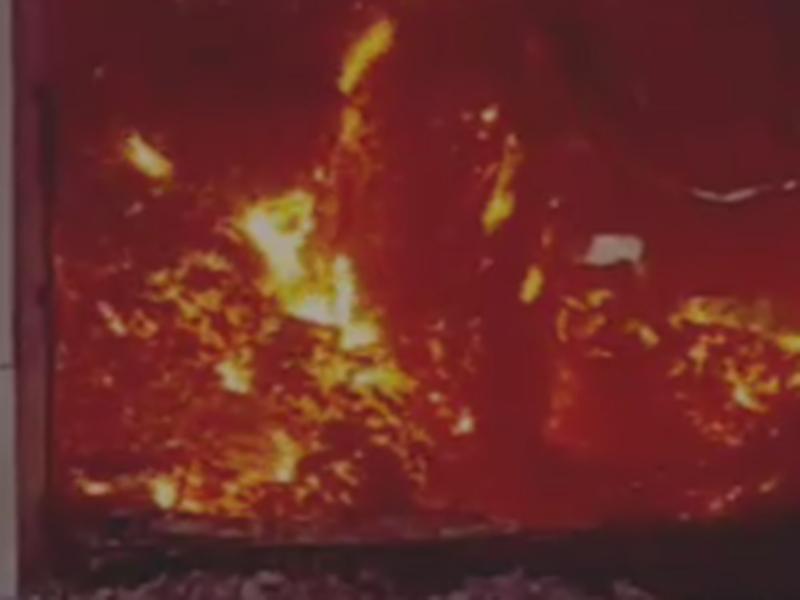 गरियाबंद में वसूली न कर पाने से बौखलाए नक्सलियों ने नौ करोड़ का तेंदूपत्ता फूंका, चौकीदारों को बनाया बंधक, देखें वीडियो