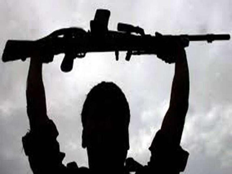Chhattisgarh Naxal Surrender : बीजापुर में 19 लाख रुपये के छह इनामी नक्सलियों ने किया आत्मसमर्पण