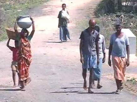 जगदलपुर में नक्सली दहशत, चार परिवारों ने छोड़ा गांव