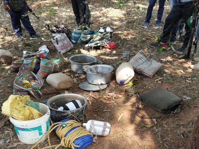 दंतेवाड़ा क्षेत्र में बम और डेटोनेटर के साथ नक्सली गिरफ्तार