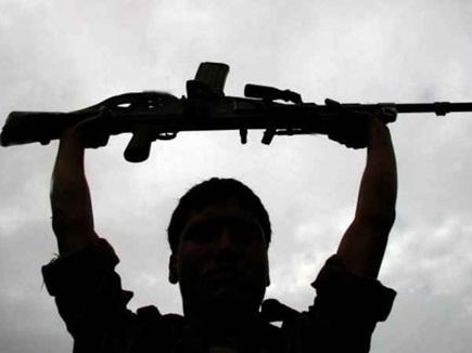 नारायणपुर में महिला सहित पांच नक्सली गिरफ्तार