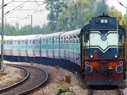 मेगा ब्लॉक से प्रभावित हुआ ट्रेनों का संचालन, दर्जनभर ट्रेनें हुई प्रभावित
