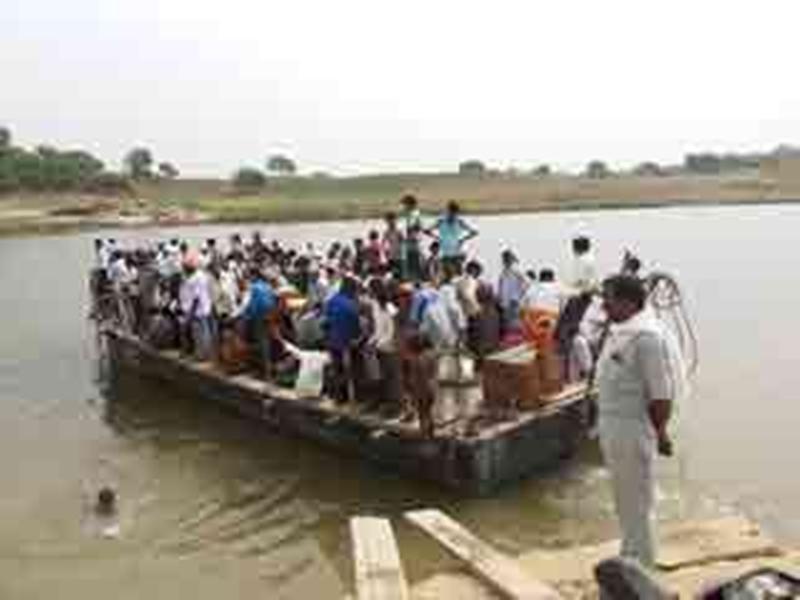 Lockdown in Morena : चंबल नदी पार कर मध्य प्रदेश आने वालों पर नजर नहीं