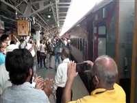 Madhya Pradesh News :  जबलपुर स्टेशन से मुसाफिरों को लेकर एक बार फिर चली रेल