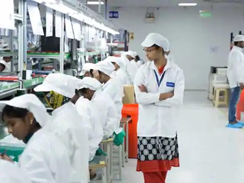 Samsung, Apple ने किया भारत में मोबाइल बनाने के लिए आवेदन, 12 लाख को मिलेगी नौकरियां