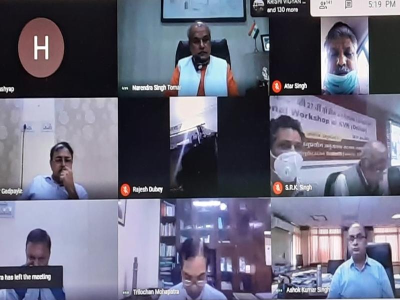 Dhar News : केंद्रीय मंत्री नरेंद्र सिंह तोमर बोले, दुनिया में बादशाहत कर सकता है कड़कनाथ मुर्गा