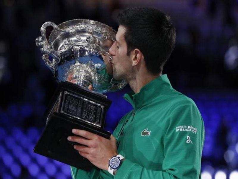 Australian Open 2020: Novak Djokovic ने कड़े संघर्ष के बाद डॉमिनिक थिएम को हराकर जीता 17वां ग्रैंड स्लैम खिताब