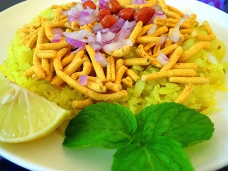 Online Food in Indore : पोहा-जलेबी हो या दाल-बाफले, ऑनलाइन ऑर्डर से पहुंचेगा आपके घर