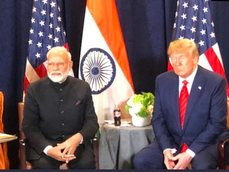 PM Modi ने की फोन पर Donald Trump से बात, जानिये दोनों के बीच किन मुद्दों पर हुई चर्चा