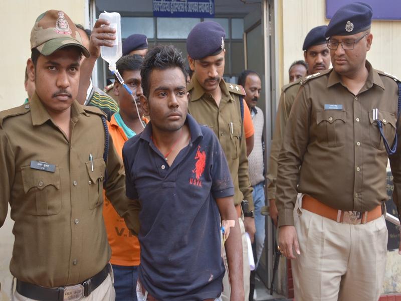 Madhya Pradesh News : जबलपुर में सिरफिरे ने किशोरी को चाकू से 22 बार गोदा, आंख फोड़ी, आंतें निकलीं बाहर