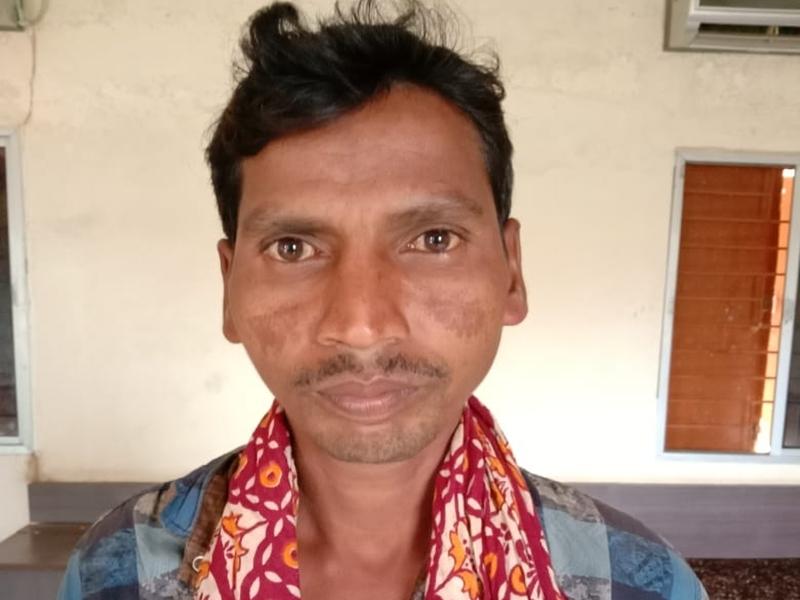 Dantewada News : आधी रात को जान बचाकर भागा नक्सली नेता, पुलिस कैंप में किया समर्पण
