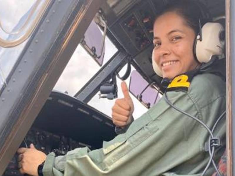 First Navy Lady Pilot: नौसेना में पहली महिला पायलट बनीं शिवांगी