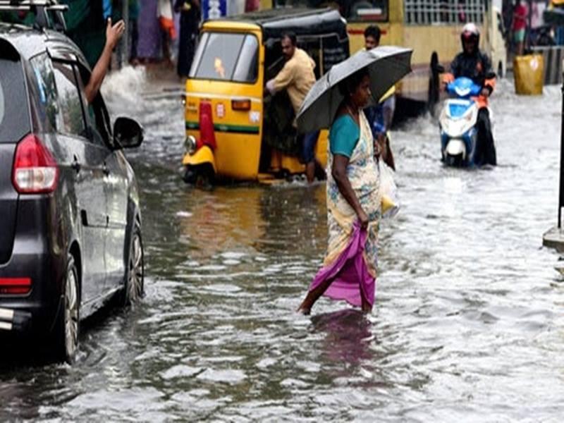 Tamil Nadu rain: तमिलनाडु में भारी बारिश की वजह से 20 लोगों की मौत, स्कूलों में हुई छुट्टी, परीक्षाएं रद्द
