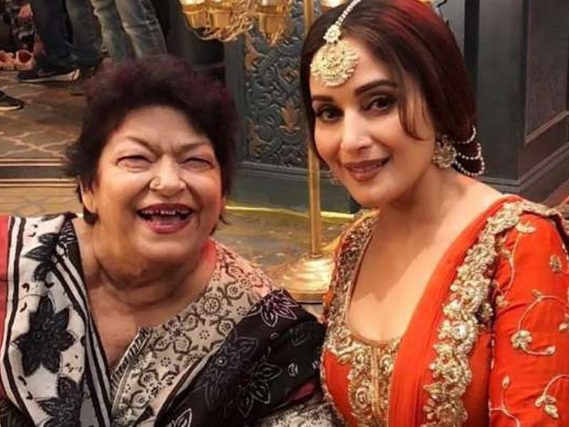 Saroj Khan Death News Live Updates: सरोज खान के निधन पर Madhuri Dixit ने लिखा इमोशनल पोस्ट, 'मैं पूरी तरह बिखर गई हूं'