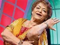 Saroj Khan Dies: मशहूर कोरियोग्राफर Saroj Khan का दिल का दौरा पड़ने से निधन