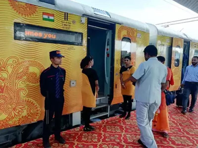 Indian Railway: तो क्या ट्रेन में मिलेगा अब केवल कंफर्म टिकट, जानिए क्या है रेलवे का ये कदम