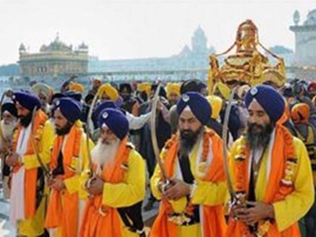 Guru Nanak Jayanti 2019: गुरु नानक जयंती पर जानें उनकी नौ सीखें जो आज भी हैं प्रसांगिक