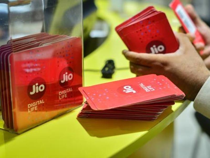 Jio New Offer: नए टैरिफ प्लान लागू करने से पहले Jio अपने यूजर्स के लिए लाया यह ऑफर