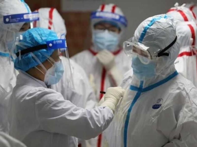 सांस लेने और बातचीत के जरिये भी फैल सकता है Coronavirus, वैज्ञानिकों का दावा