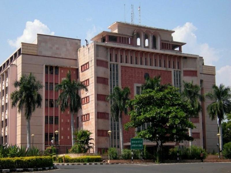 Coronavirus in Madhya Pradesh : दो और IAS अधिकारी की रिपोर्ट पॉजिटिव मिली
