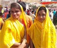 Bhagoriya 2020 : मध्य प्रदेश के आदिवासी अंचल पर चढ़ा भगोरिया का रंग, देखें तस्वीरें
