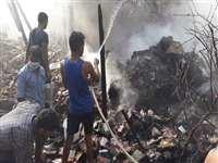मोदीनगर में पटाखा फैक्ट्री में लगी आग से 6 की मौत, 20 के अंदर फंसे होने की आशंका