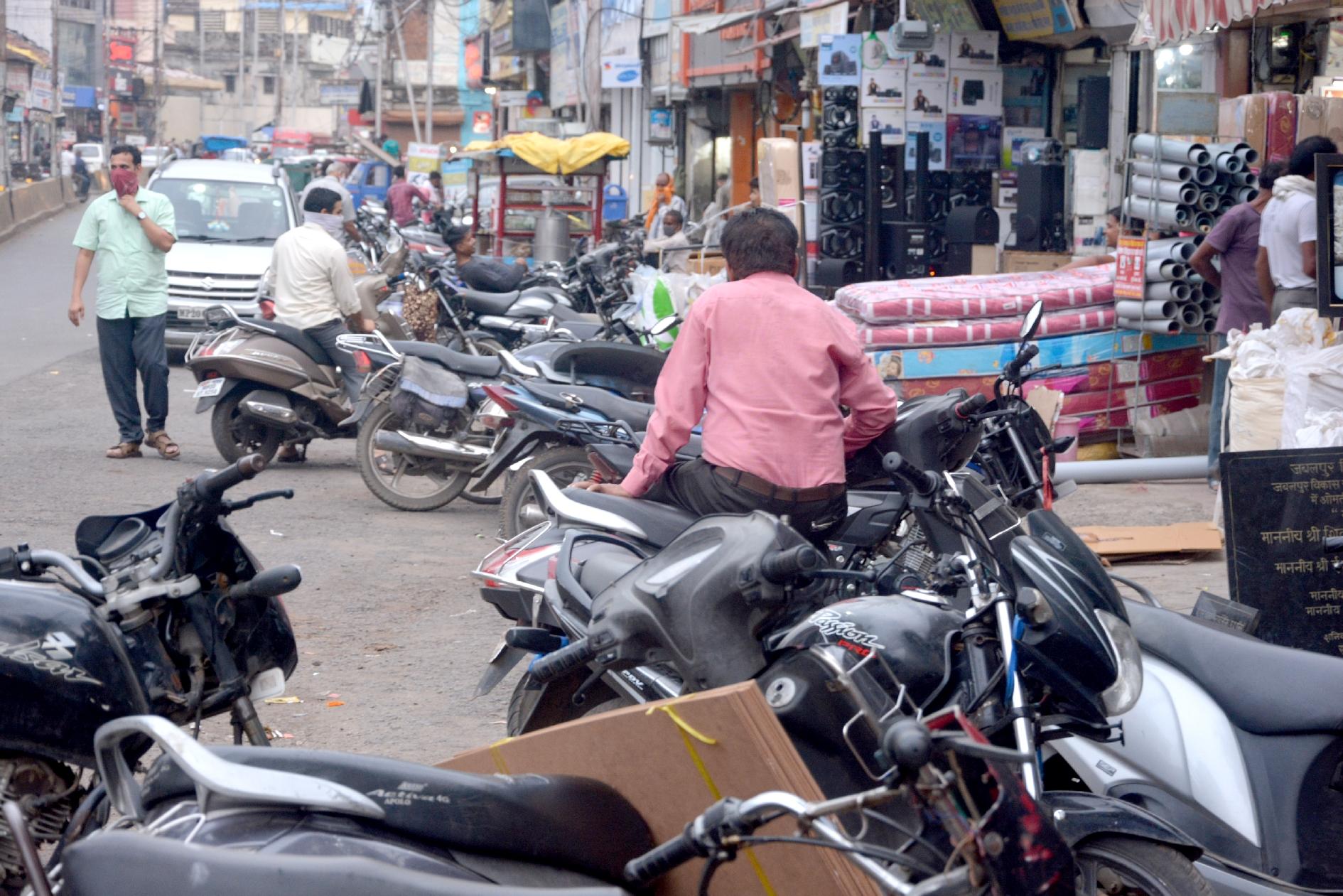 20 टीआइ ने यातायात सुधारने को इलाके गोद लिए
