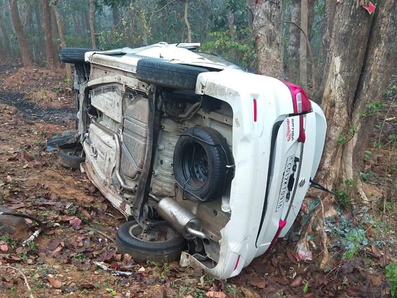 Dantewada Road Accident : छत्तीसगढ़ के दंतेवाड़ा में कार दुर्घटना में 5 लोगों की मौत
