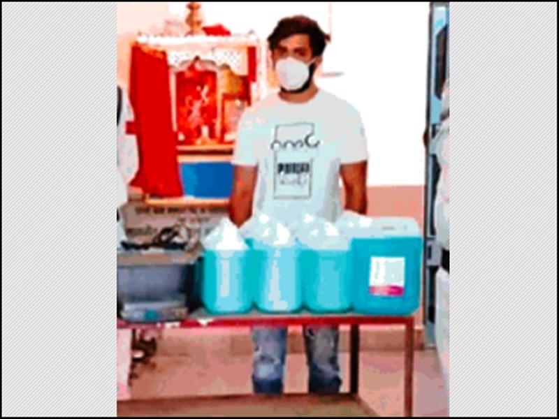 Hand Sanitizers : पानी मिलाकर एक लीटर सैनिटाइजर को 10 गुना कर बेचने का पर्दाफाश