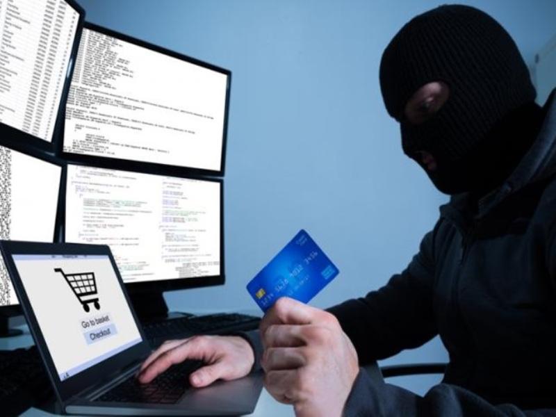 Online Banking Fraud : अब ऐसे OTP पता कर रहे ठग, लुटते-लुटते बचे बुजुर्ग महिला के 7.70 लाख रुपए
