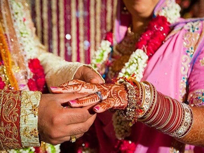 शादी में आए मेहमान भी हो सकते हैं जासूस, लॉकडाउन उल्लंघन पर पुलिस को दे सकते हैं खबर