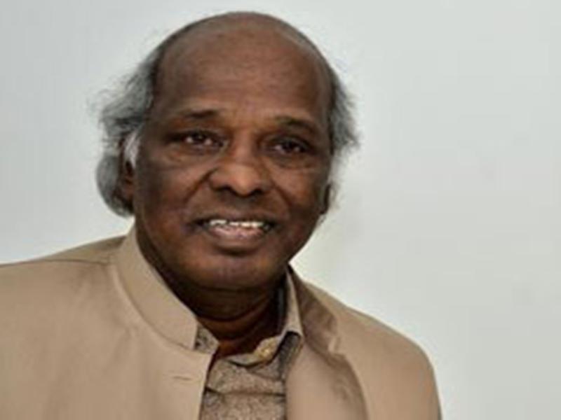 Indore News : भिखारिन को रुपयों से भरा लिफाफा भेंट कर ली 'राहत' की सांस