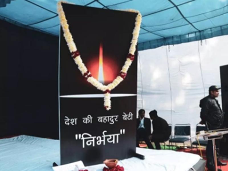 Nirbhaya case verdict: दोषियों का डेथ वारंट जारी होते ही बोले लोग- पहली बार किसी के मरने का दुख नहीं होगा
