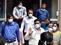 भारत में कोरोना से इस उम्र के 63 प्रतिशत लोगों की हुई मौत, सरकार ने जारी किए आंकड़े