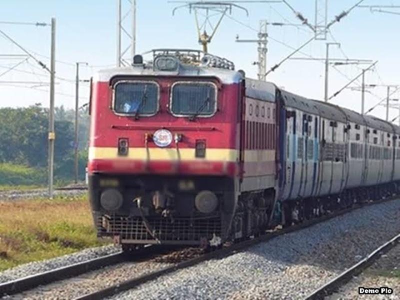 IRCTC ने इंदौर रूट की ट्रेन सहित 3 ट्रेनों की Booking अब 30 अप्रैल तक की निरस्त