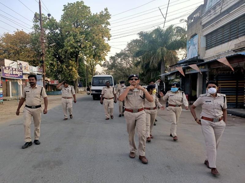 Lockdown In Ambikapur: लॉक डाउन में मॉर्निंग वॉक करने निकले 97 लोगों को अपने साथ ले गई पुलिस
