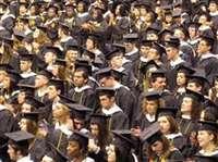 जिन छात्रों की कक्षाएं पूरी तरह ऑनलाइन हो गई हैं, वे अमेरिका में नहीं रह सकेंगे