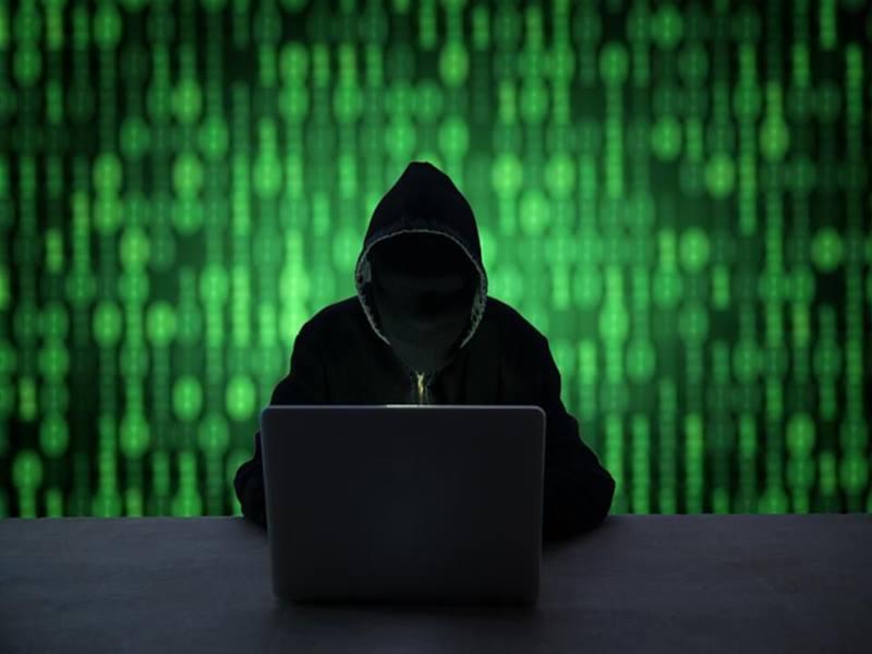 Facebook से डाटा चोरी का एक और मामला आया सामने, यूजर्स का डाटा जुटा रहे थे 100 ऐप
