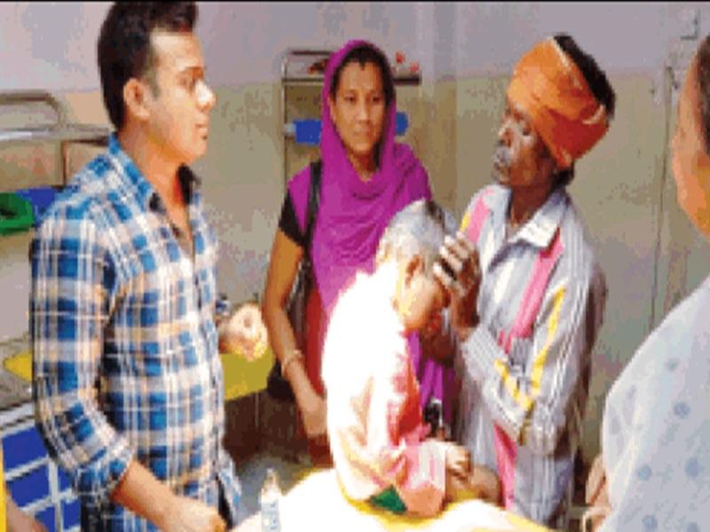 Blind Faith in Khandwa : 5 साल के मासूम के सिर में घाव, ओझा पिता ने तंबाखू भरी, तारपीन का तेल डाला