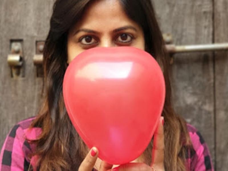 Gujarat में जिला शिक्षा अधिकारी का फरमान, कहा- Valentine Day नहीं, माता-पिता पूजा दिवस मनाएं