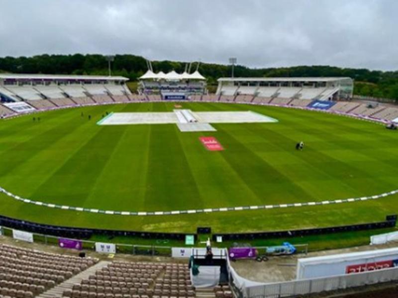 LIVE England vs West Indies 1st Test Latest Update: पहले दिन बारिश ने मजा किया खराब