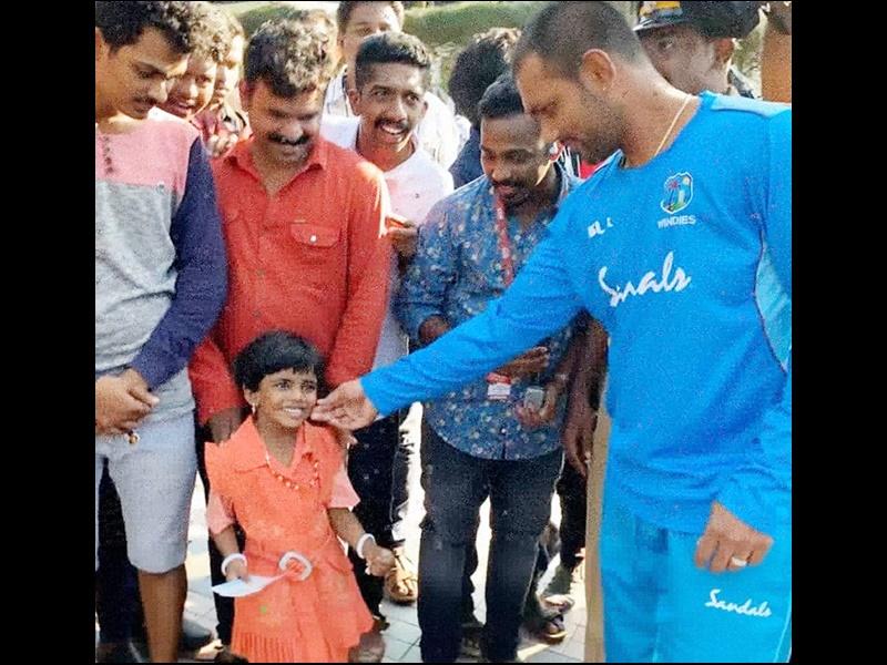 India vs West Indies 2nd T20 highlights: वेस्टइंडीज के इस खिलाड़ी ने जीत लिया दिल, नन्हीं बच्ची को ऐसे किया खुश