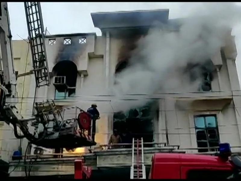 Live: दिल्ली के Patparganj Industrial Area में आग, 1 की मौत
